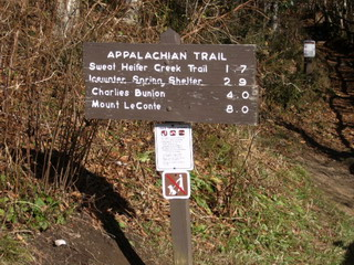 trail sign.jpg
